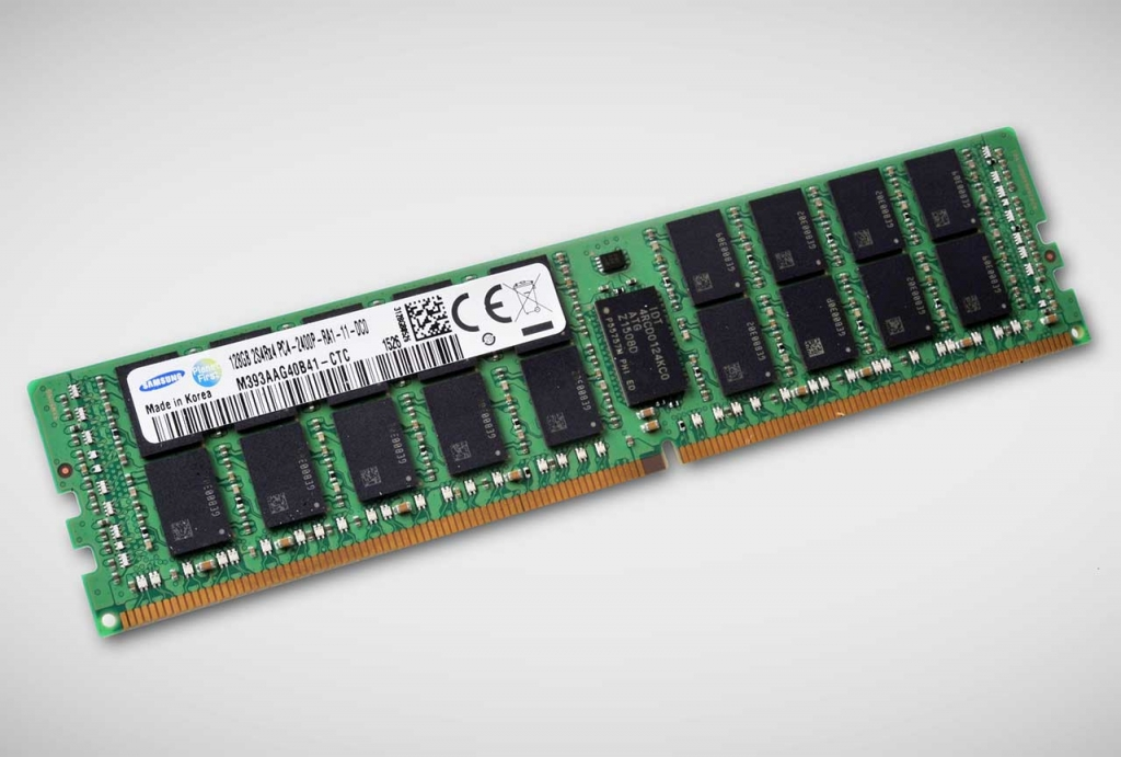 Samsung Mass-producing First 128GB DDR4 RDIMM for Servers